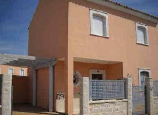 Casa en venta en Huévar del Aljarafe, Huévar del Aljarafe, Sevilla, Calle Tamboril, 78.900 €, 4 habitaciones, 2 baños, 106 m2