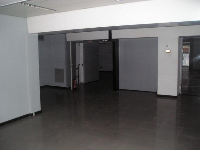 Local en venta en Barcelona, Barcelona, Calle Jaume Pinent, 199.000 €, 177 m2
