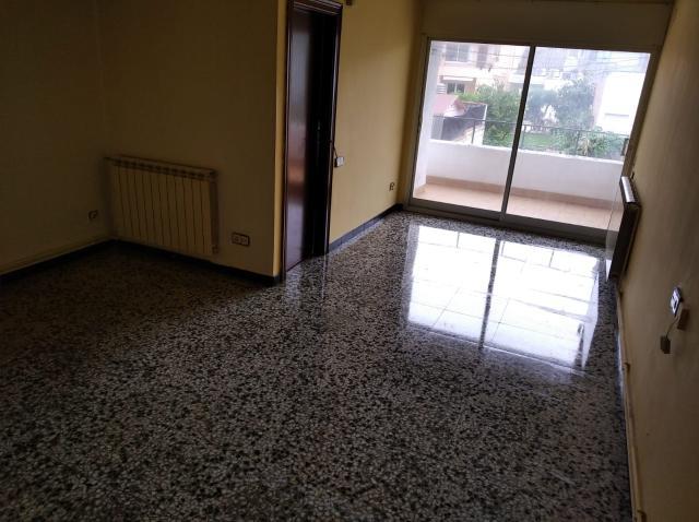Piso en venta en Can Palet de Vista Alegre, Terrassa, Barcelona, Calle Linne, 134.500 €, 3 habitaciones, 2 baños, 116 m2