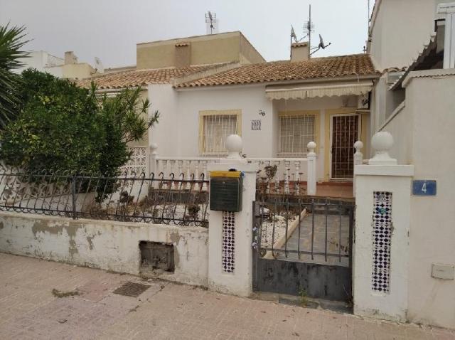 Casa en venta en Orihuela, Alicante, Calle Neptuno, 60.000 €, 36 m2
