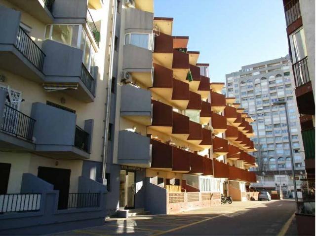 Piso en venta en Castelló D`empúries, Girona, Pasaje Muga-b, 38.000 €, 2 baños, 24 m2