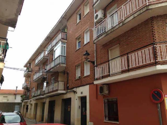 Piso en venta en Yunquera de Henares, Guadalajara, Calle Estación, 78.500 €, 2 habitaciones, 1 baño, 81 m2