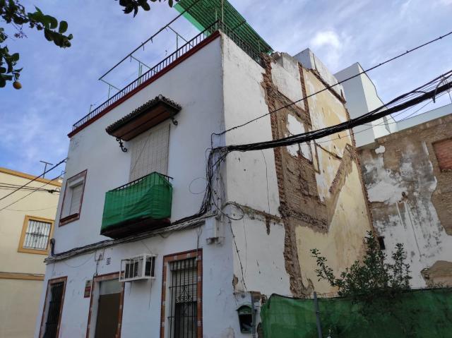 Casa en venta en Sevilla, Sevilla, Calle Santa Elena, 160.000 €, 73 m2