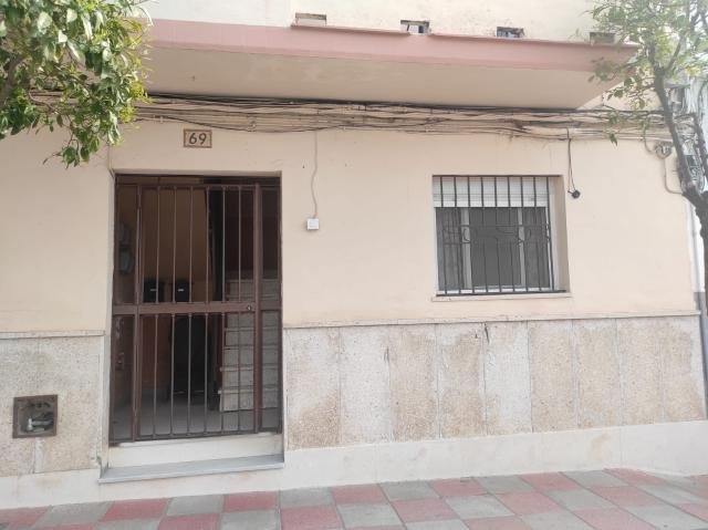 Piso en venta en El Ranchillo, la Cabezas de San Juan, Sevilla, Avenida Pablo Iglesias, 42.000 €, 1 baño, 70 m2