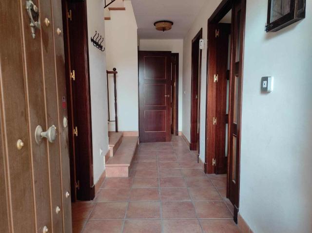 Casa en venta en Mairena del Alcor, Mairena del Alcor, Sevilla, Avenida Ronda Oeste, 194.300 €, 205 m2