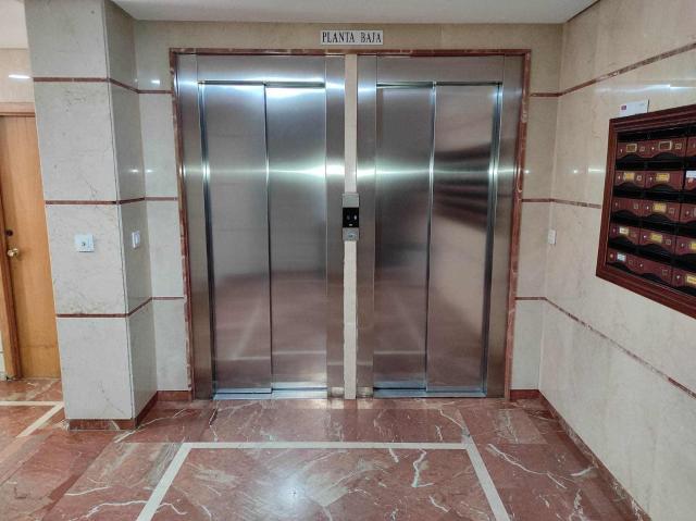 Piso en venta en Distrito Norte, Sevilla, Sevilla, Calle Acueducto, 142.800 €, 3 habitaciones, 1 baño, 86 m2