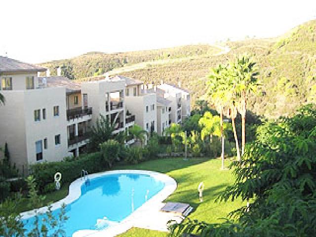 Piso en venta en Barriada Islas Canarias, Estepona, Málaga, Avenida la Resina, 225.000 €, 3 habitaciones, 1 baño, 116 m2