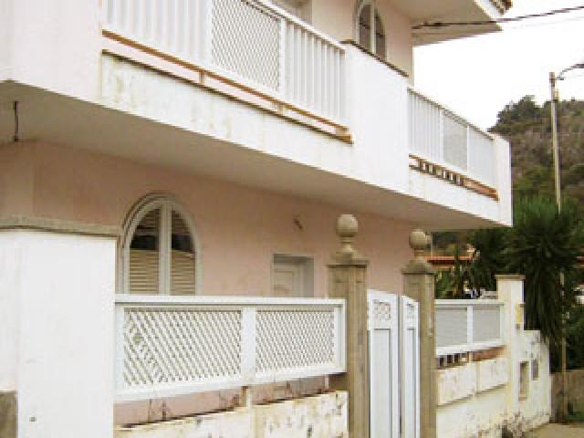 Casa en venta en Los Portales, Arucas, Las Palmas, Calle Lopez Ruiz, 308.250 €, 3 habitaciones, 1 baño, 295 m2