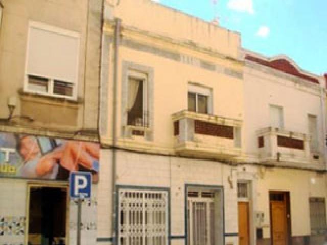 Piso en venta en Gandia, Valencia, Avenida Beniopa, 39.100 €, 2 habitaciones, 1 baño, 72 m2