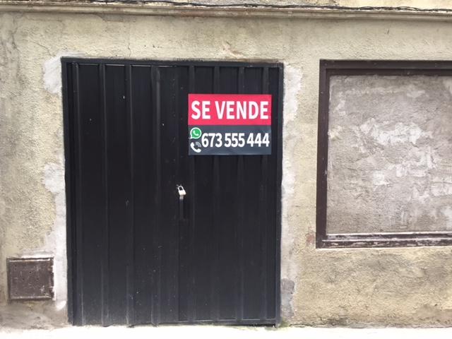 Casa en venta en Olot, Girona, Calle Alta Maduxia, 55.200 €, 1 baño, 458 m2