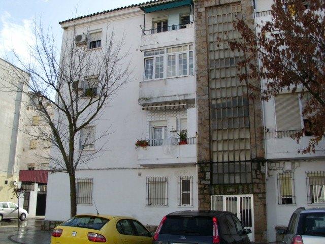 Piso en venta en Mérida, Badajoz, Calle Nuestra Señora de la Antigua, 36.500 €, 3 habitaciones, 1 baño, 85 m2