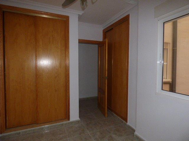 Piso en venta en Torrevieja, Alicante, Calle la Loma, 75.000 €, 2 habitaciones, 1 baño, 74 m2
