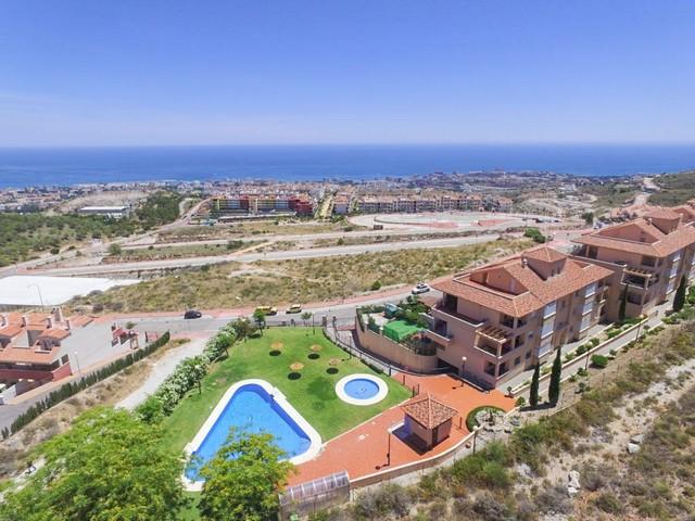 Piso en venta en Benalmádena, Málaga, Calle Esparto, 295.000 €, 4 habitaciones, 2 baños, 138 m2