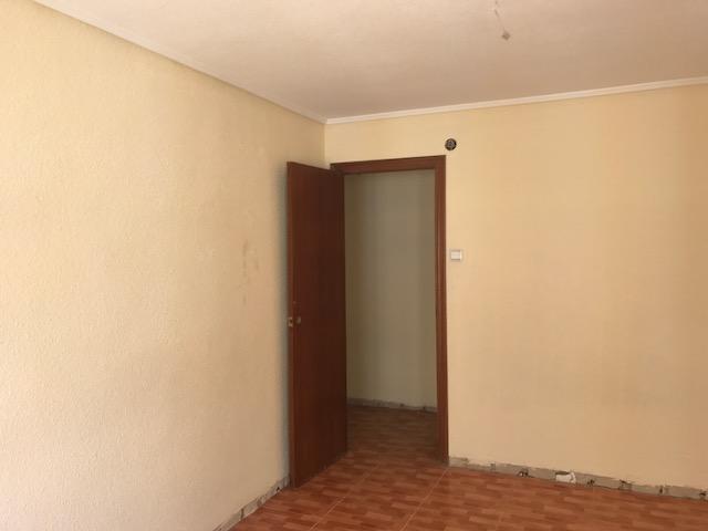 Piso en venta en Elche/elx, Alicante, Calle Capita Gaspar Ortiz, 32.500 €, 3 habitaciones, 1 baño, 106 m2