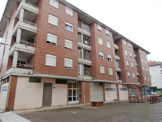 Piso en venta en Urbanización la Anjanas, los Corrales de Buelna, Cantabria, Calle Cataluña, 56.858 €, 2 habitaciones, 1 baño, 70 m2