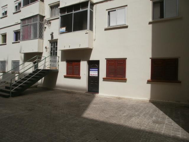 Piso en venta en Santa Cruz de Tenerife, Santa Cruz de Tenerife, Calle San Juan de la Rambla, 35.730 €, 3 habitaciones, 1 baño, 86 m2
