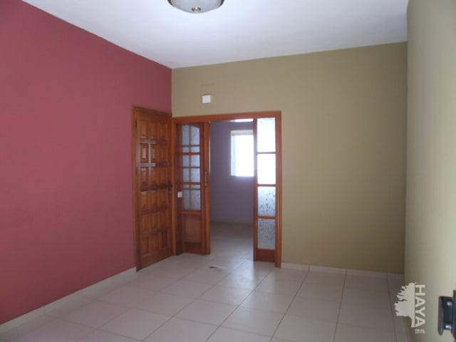 Piso en venta en Santa Cruz de Tenerife, Santa Cruz de Tenerife, Calle San Juan de la Rambla, 39.700 €, 3 habitaciones, 1 baño, 86 m2