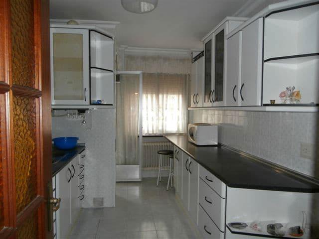 Piso en venta en Ávila, Ávila, Calle San Juan de la Cruz, 83.000 €, 4 habitaciones, 1 baño, 128 m2