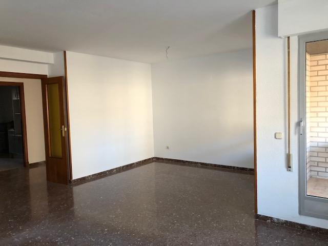 Piso en venta en Zaragoza, Zaragoza, Calle Mariana Pineda, 177.000 €, 3 habitaciones, 2 baños, 116 m2