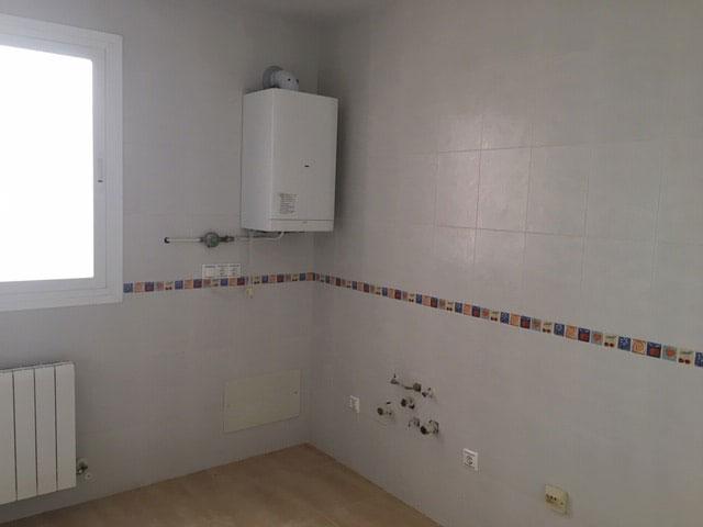 Piso en venta en Piso en Poblete, Ciudad Real, 44.080 €, 2 habitaciones, 1 baño, 71 m2