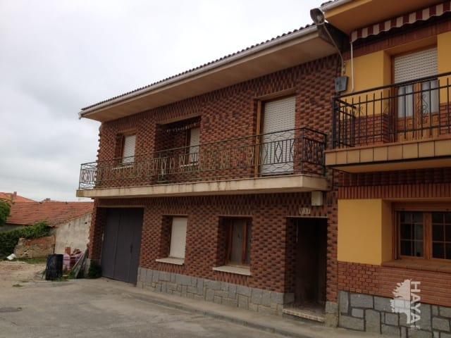 Casa en venta en Abades, Segovia, Calle Claudio Moreno, 81.189 €, 3 habitaciones, 1 baño, 246 m2
