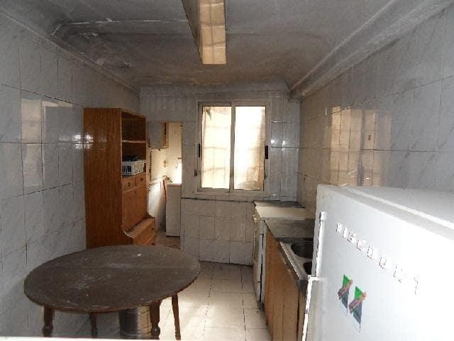 Piso en venta en Castralvo, Teruel, Teruel, Calle San Esteban, 54.900 €, 4 habitaciones, 1 baño, 73 m2