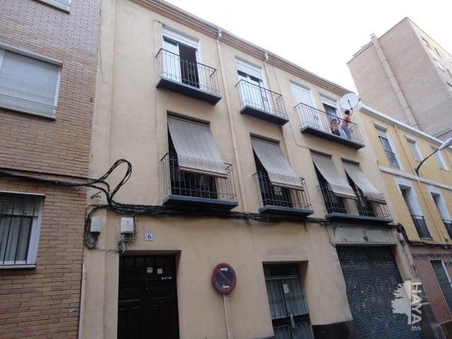 Piso en venta en Delicias, Zaragoza, Zaragoza, Calle Blanca de Navarra, 87.000 €, 5 habitaciones, 1 baño, 96 m2