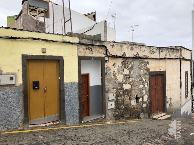 Casa en venta en Arucas, Las Palmas, Calle Sor Candida Suarez, 178.690 €, 4 habitaciones, 2 baños, 167 m2