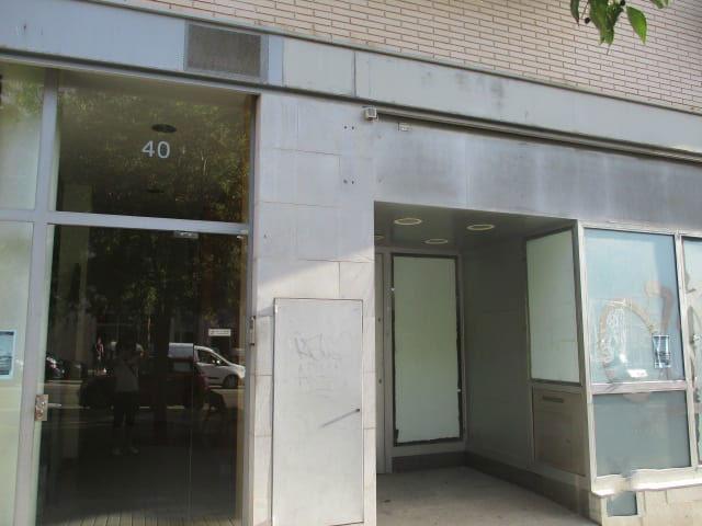 Local en venta en Sabadell, Barcelona, Avenida Estrasburg, 250.718 €, 191 m2