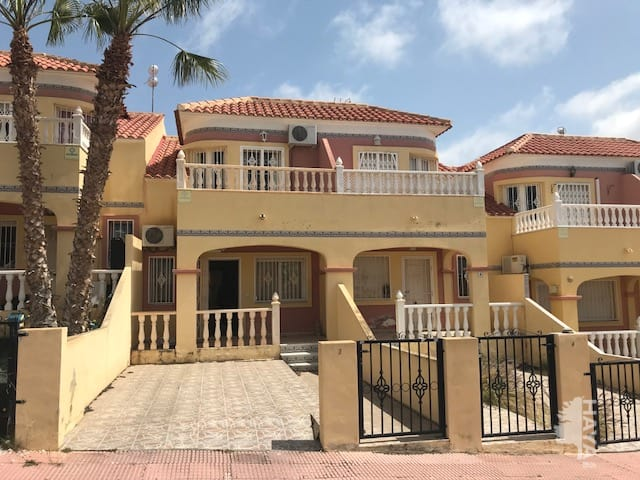 Casa en venta en Orihuela, Alicante, Calle Carolinas, 94.520 €, 3 habitaciones, 2 baños, 83 m2
