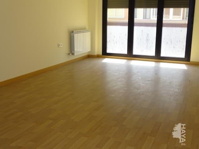 Piso en venta en Cenicero, La Rioja, Avenida Doctor Ruiz de Azcarraga, 62.500 €, 3 habitaciones, 2 baños, 112 m2