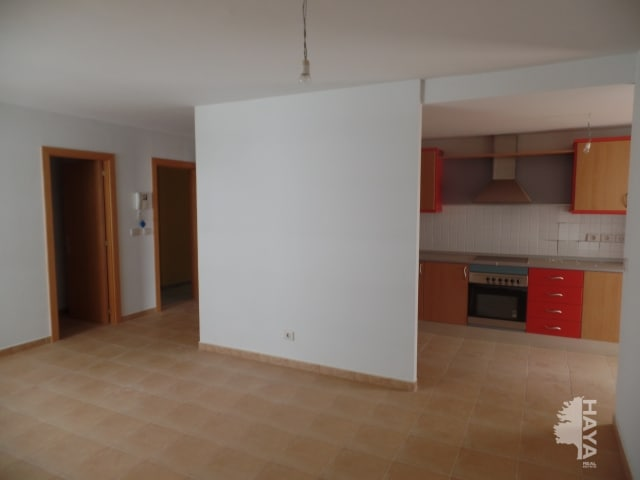 Piso en venta en Piso en Puerto del Rosario, Las Palmas, 108.500 €, 3 habitaciones, 2 baños, 92 m2, Garaje