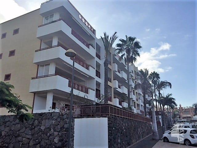 Piso en venta en Arona, Santa Cruz de Tenerife, Avenida El Palm-mar(edificio Balandros), 190.300 €, 2 habitaciones, 2 baños, 135 m2