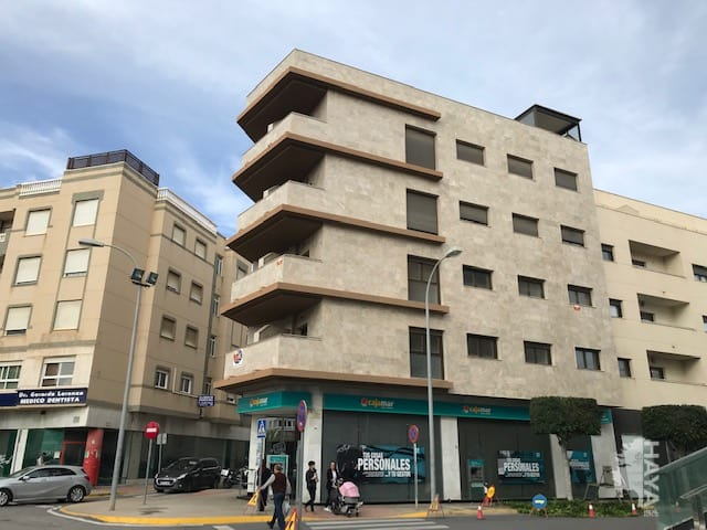 Piso en venta en El Ejido, Almería, Calle Hermanos Lirola, 124.000 €, 2 habitaciones, 2 baños, 99 m2