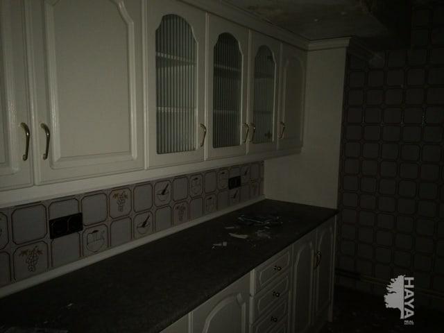 Piso en venta en Piso en Talavera de la Reina, Toledo, 72.500 €, 4 habitaciones, 1 baño, 130 m2