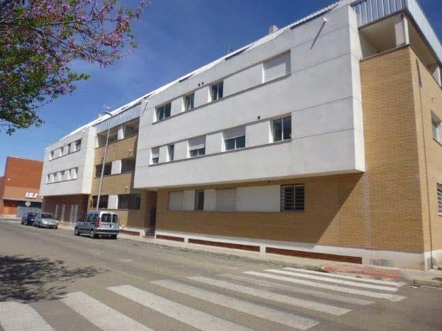 Piso en venta en La Pobla Llarga, Valencia, Avenida Closa, 82.000 €, 3 habitaciones, 1 baño, 107 m2