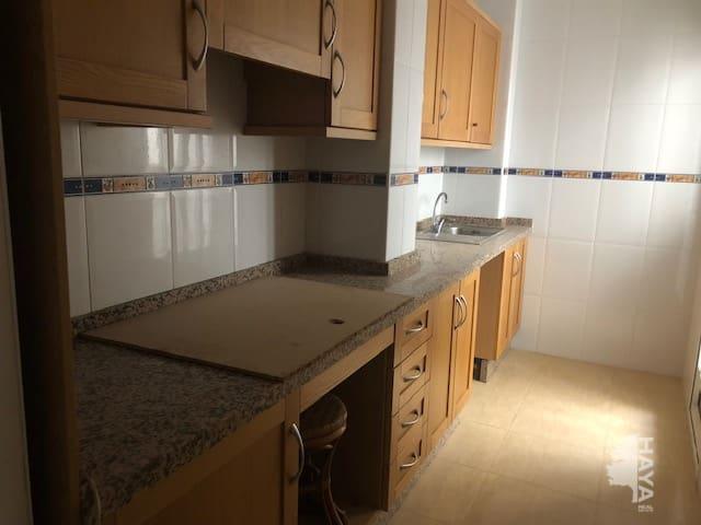 Piso en venta en Piso en Jacarilla, Alicante, 55.000 €, 2 habitaciones, 2 baños, 85 m2