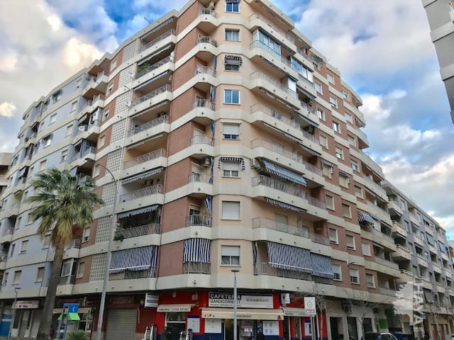 Piso en venta en Gandia, Valencia, Calle Cardenal Cisneros, 83.731 €, 3 habitaciones, 2 baños, 125 m2