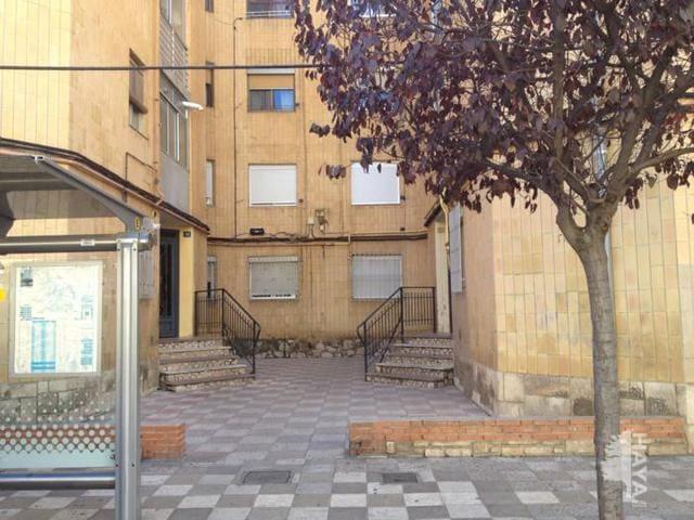Piso en venta en Albacete, Albacete, Calle Arquitecto Vandelvira, 56.000 €, 3 habitaciones, 1 baño, 71 m2