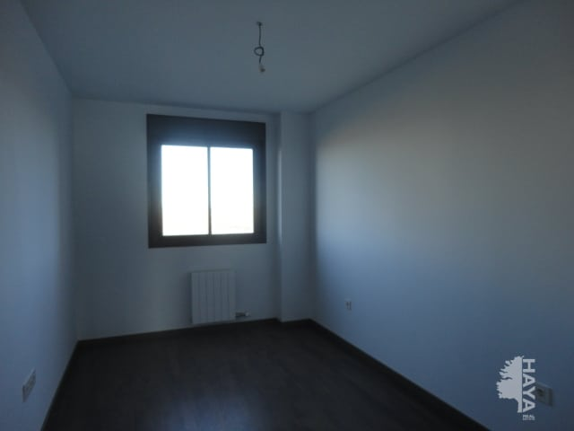 Piso en venta en Piso en Zaragoza, Zaragoza, 136.000 €, 3 habitaciones, 2 baños, 164 m2