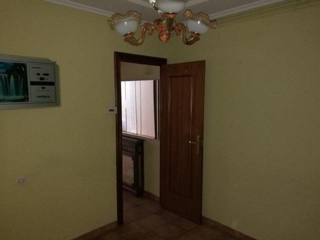 Piso en venta en La Mariola, Lleida, Lleida, Calle Indivil I Mandoni, 38.000 €, 3 habitaciones, 1 baño, 94 m2