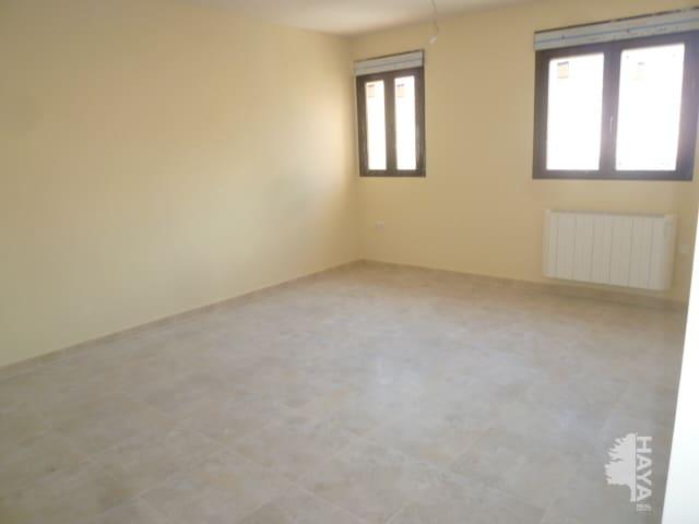 Piso en venta en Sotillo de la Adrada, Sotillo de la Adrada, Ávila, Calle Jardines, 68.000 €, 3 habitaciones, 2 baños, 77 m2
