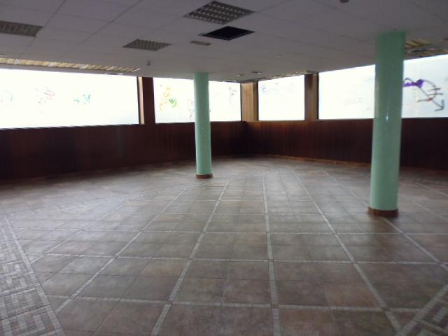 Local en alquiler en Zona Esportiva, Terrassa, Barcelona, Calle Doctor Cistare, 2.970 €, 177 m2