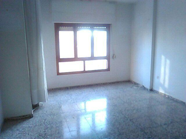 Piso en venta en Elda, Alicante, Calle Pizarro, 69.900 €, 4 habitaciones, 2 baños, 140,05 m2