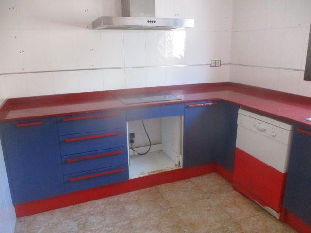 Piso en venta en El Punt del Cid, Almenara, Castellón, Calle Castello, 56.000 €, 3 habitaciones, 2 baños, 106,64 m2
