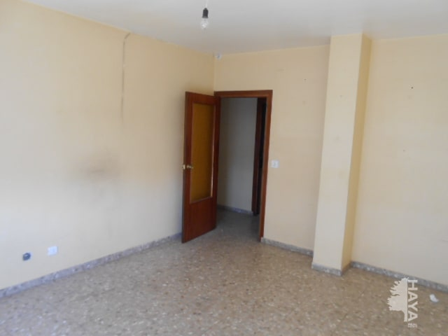 Piso en venta en Manzanares, Ciudad Real, Carretera la Solana, 82.349 €, 3 habitaciones, 1 baño, 137 m2