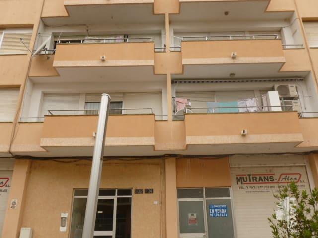 Piso en venta en Mas de Miralles, Amposta, Tarragona, Calle Barcelona, 55.000 €, 4 habitaciones, 1 baño, 115 m2