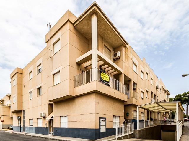Casa en venta en Santa María del Águila, El Ejido, Almería, Calle la Venta, 120.000 €, 4 habitaciones, 2 baños, 121 m2