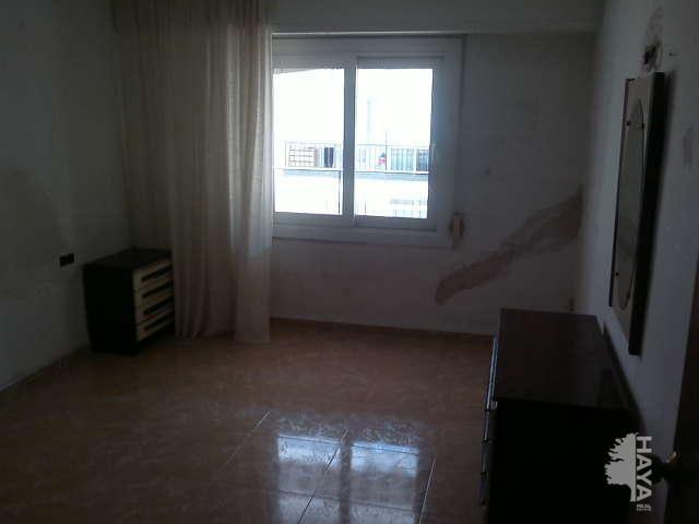 Piso en venta en Gandia, Valencia, Calle Pintor Sorolla, 44.600 €, 4 habitaciones, 1 baño, 109 m2