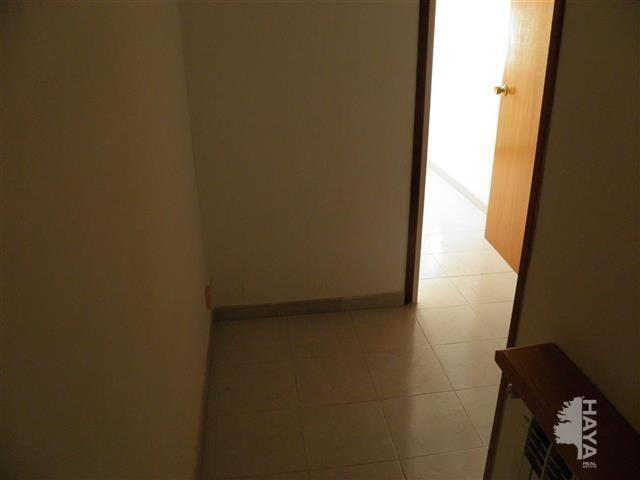 Piso en venta en Xalet del Robert, Torelló, Barcelona, Calle Pins (els), 47.300 €, 3 habitaciones, 1 baño, 85 m2